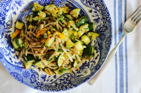 Courgette garlic linguine vegan pasta
