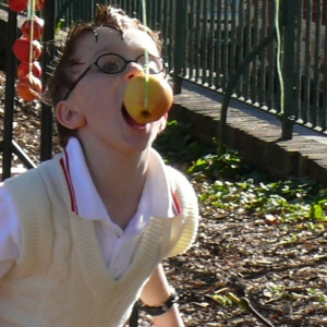 apple bobbing at Growing Communities' farmers' market