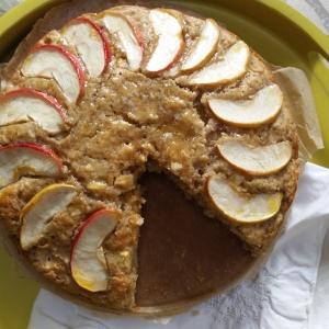 Spiced swedish apple cake